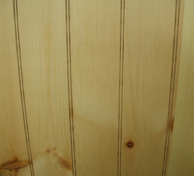 How To Make Knotty Pine Cabinet Doors | EHow.com